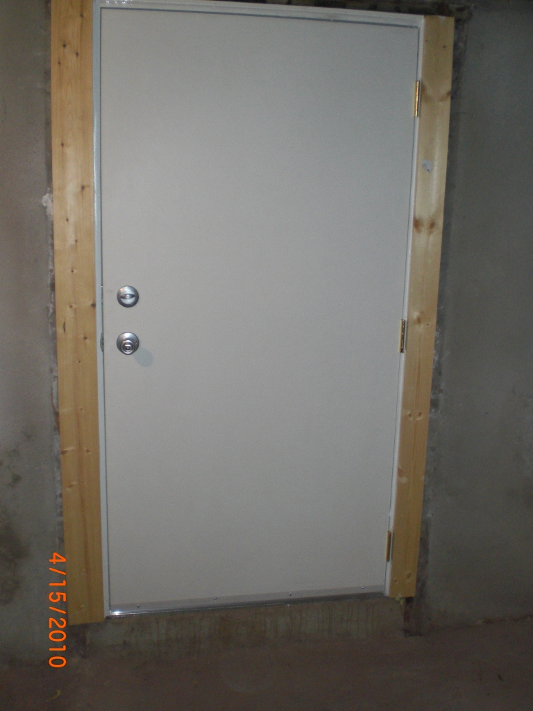 Basement doors basement entry budget dry for Basement entry