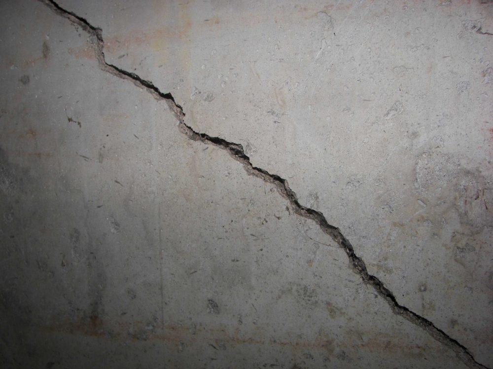 Common Foundation Crack Repair Solutions for Different Cracks