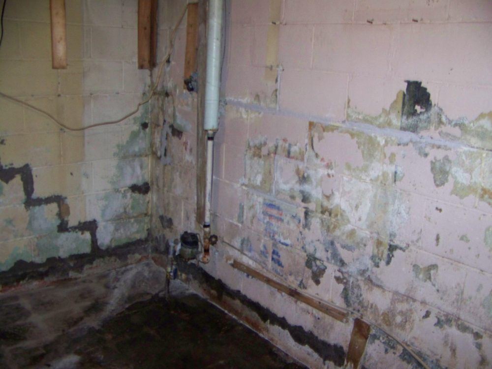 Leaking basement budget dry waterproofing for Dry basement